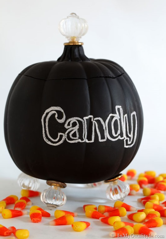 Pumpkin-Carving-Ideas-Candy-Jar-with-lid-and-feet-using-cabinet-knobs[1]