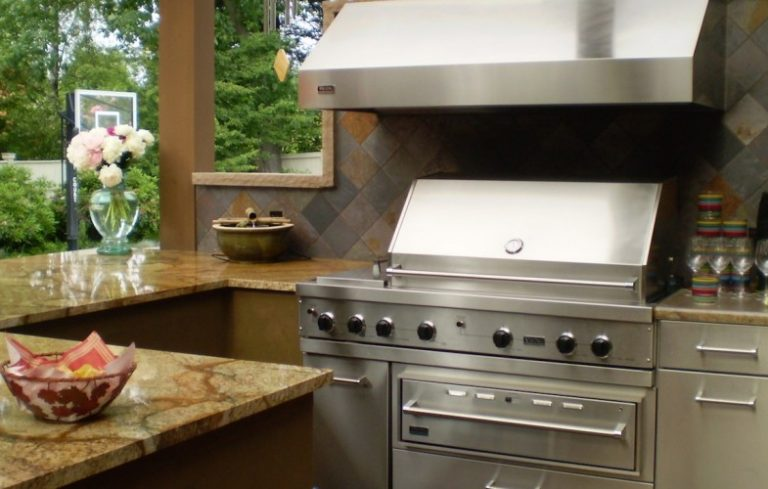 Darwin Webb Outdoor Kitchen 960x500