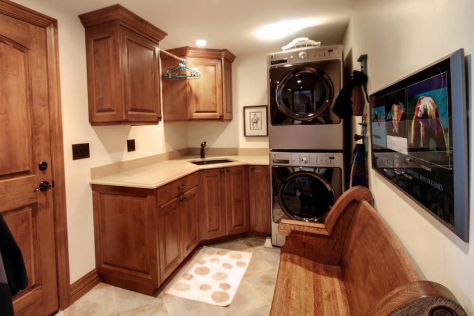 Renovation Design Group laundry room