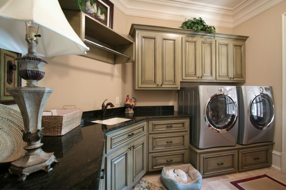 Walker Woodworking laundry room