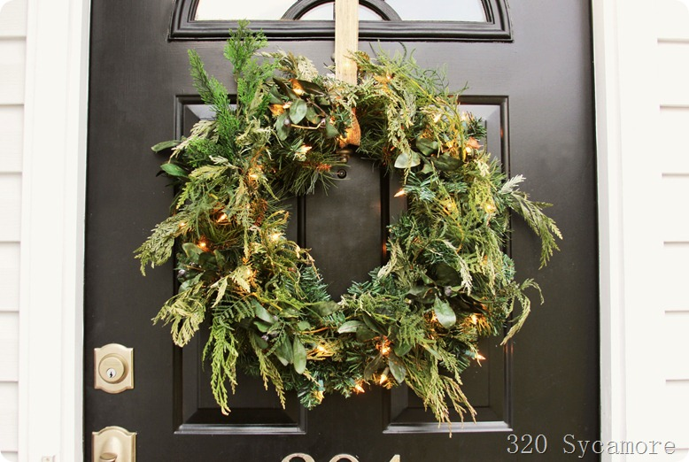 320 * Sycamore - Lighted Wreath
