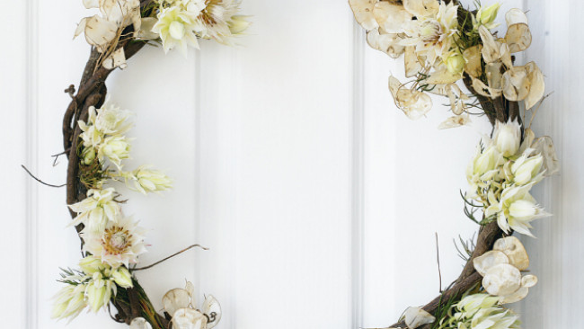 HomeLife - Floral Christmas Wreath