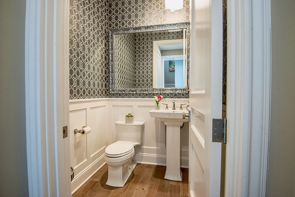 12 guest bathroom ideas your houseguests will love you for for Guest half bathroom ideas