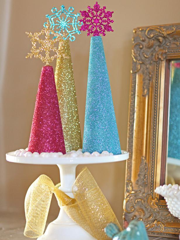 8 fun colorful christmas diys to do this weekend porch for Do it yourself christmas tree decorations