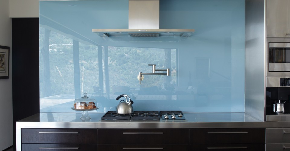 Try The Trend Solid Glass Backsplashes