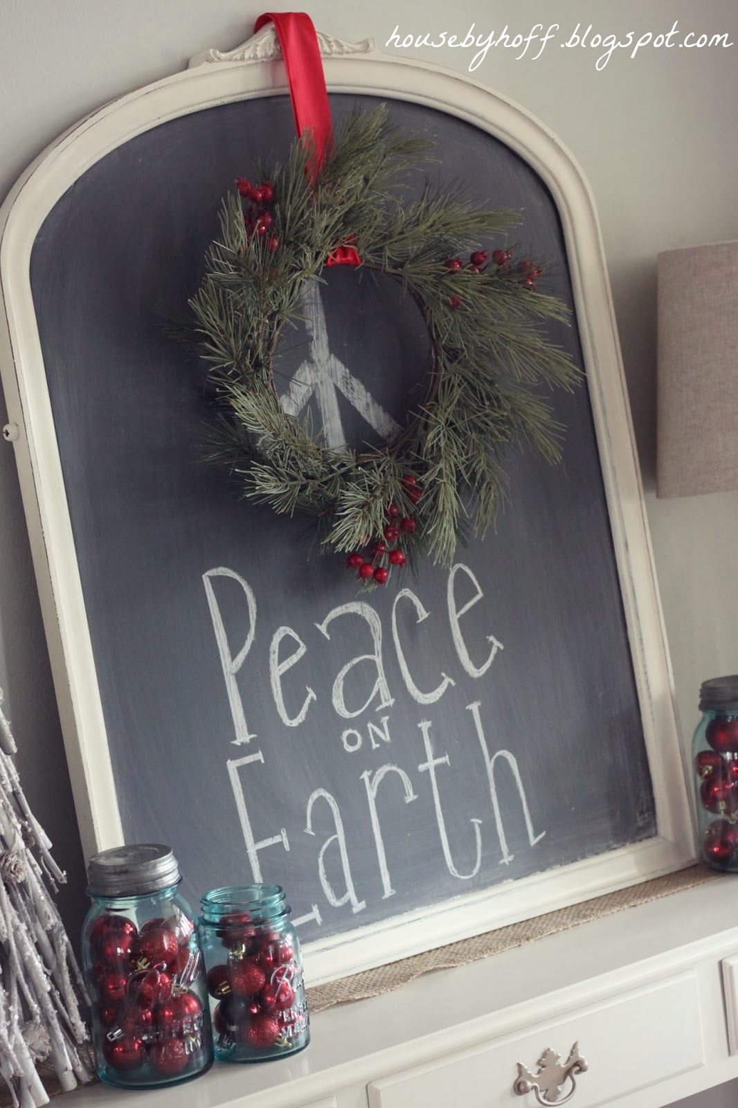 House of Hoff - Peace on Earth Wreath Chalkboard