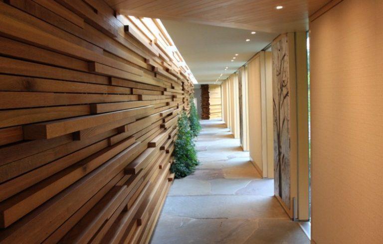 Jorge Rosso Hallway 960x500