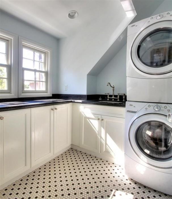 Renovation Design Group - laundry room