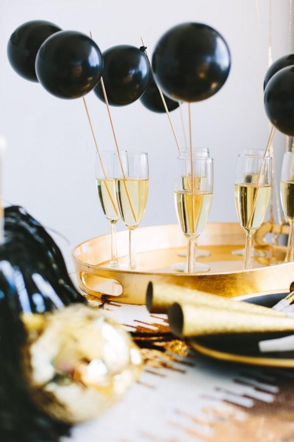 Studio DIY - Balloon Drink Stirrers