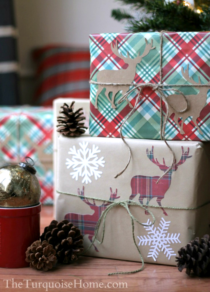 The Turquoise Home - Plaid Deer Gift Wrap