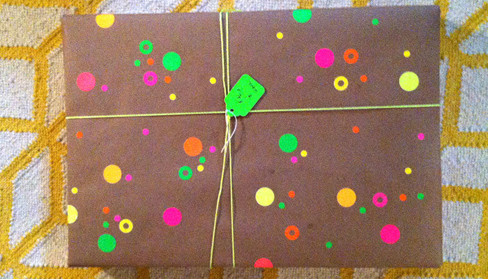 Wayfair - Highlighter Dots Gift Wrap