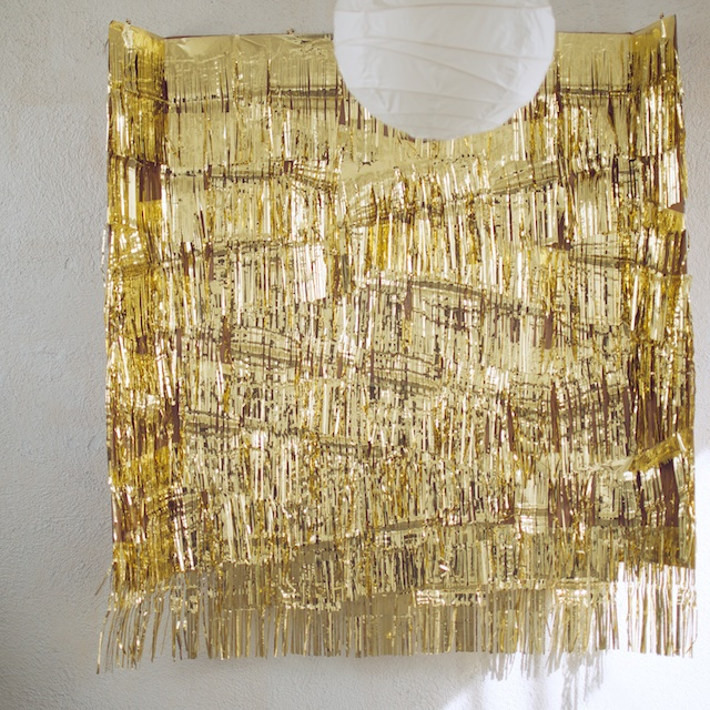Outstanding Gold Wall Party Decorations Crest - Wall Painting Ideas ...