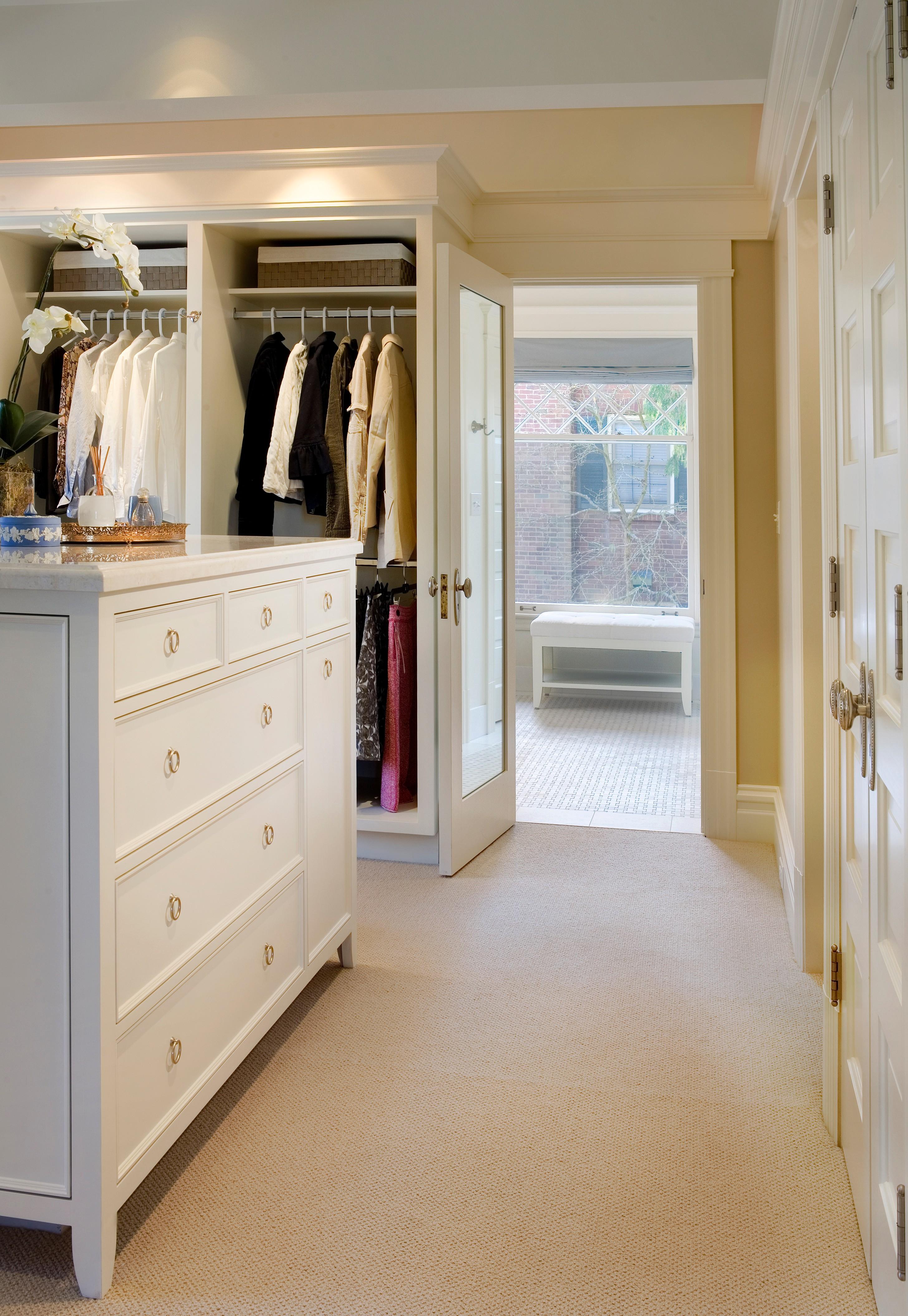 Colleen Knowles Interior Design - organize