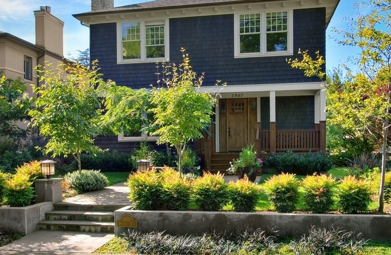 How to find your property lines and why you need to know for Curb appeal landscaping