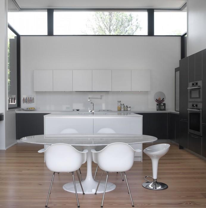 Dencity LLC Modern Kitchen