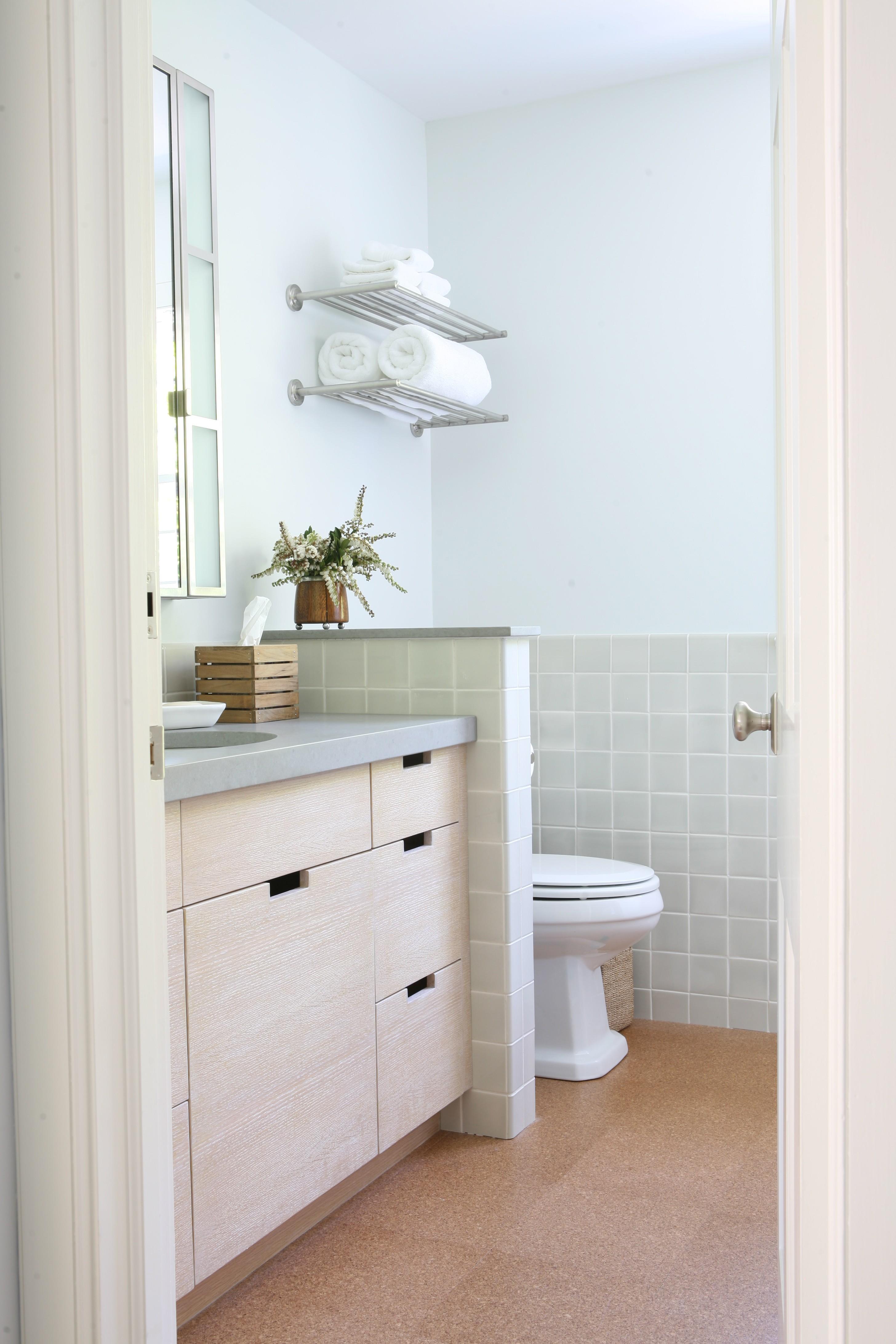 Easy clean bathroom - Foley Cox Interiors Bathroom Organization