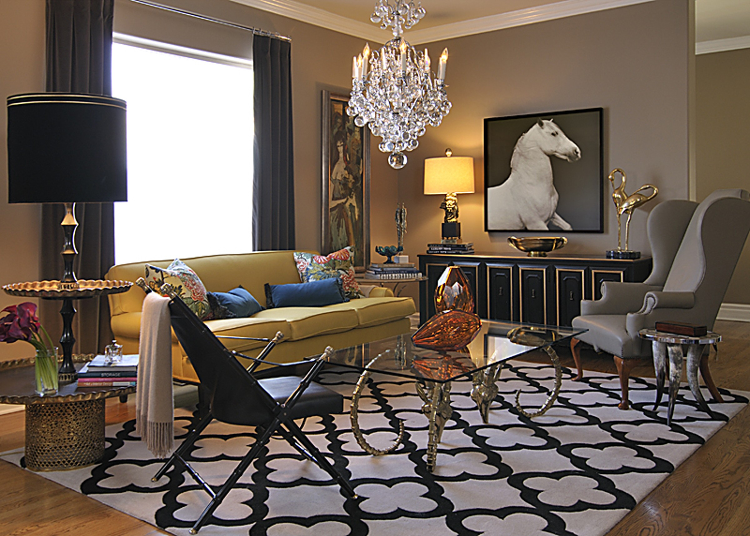 12 Glam Living Rooms We D Love To Watch The Golden Globes