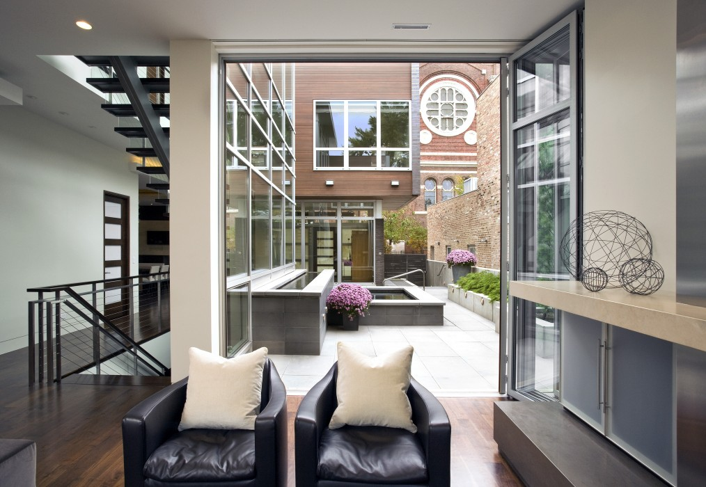 8 Stunning Small-Space Urban Backyards - Porch Advice