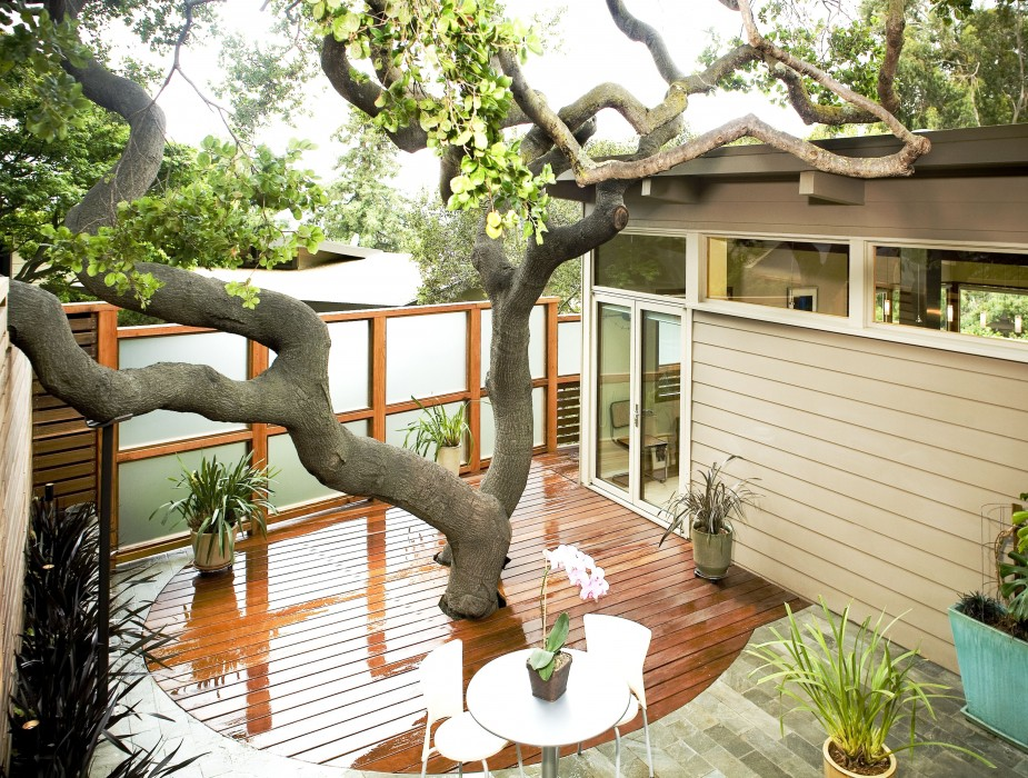 8 Stunning Small-Space Urban Backyards - Porch Advice on Patio Designs For Small Spaces id=74769