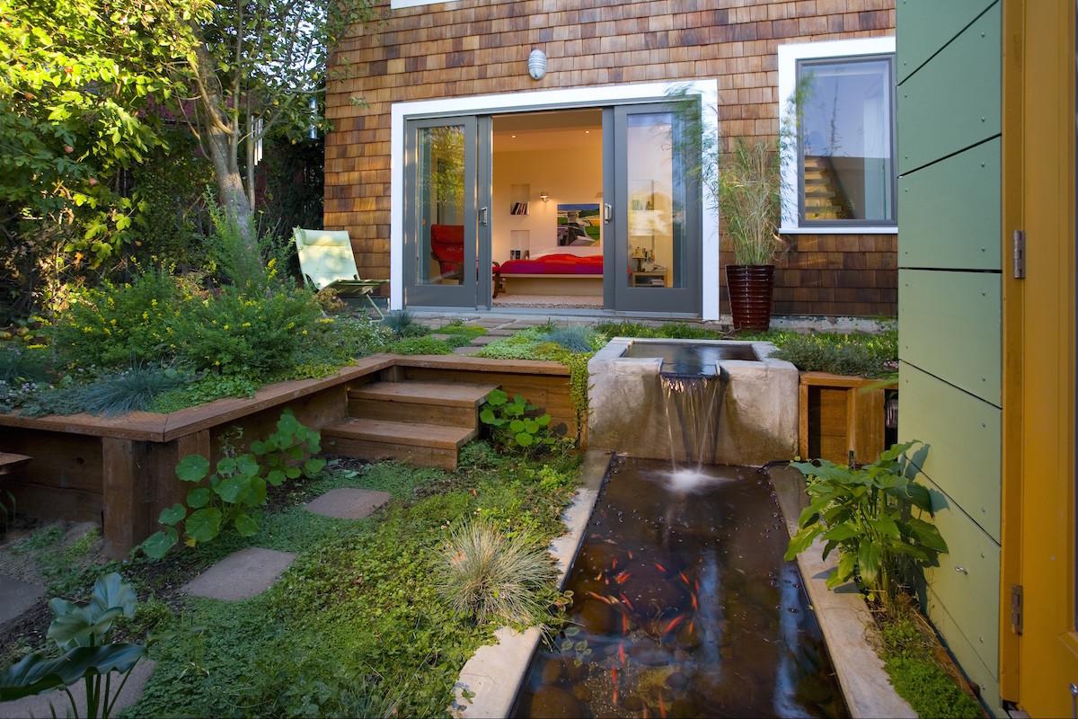 Rossington_Architecture Backyard. Rossington Architecture