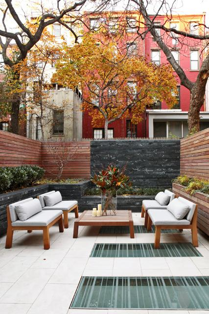 8 Stunning Small-Space Urban Backyards - Porch Advice on Small Urban Patio Ideas id=21769