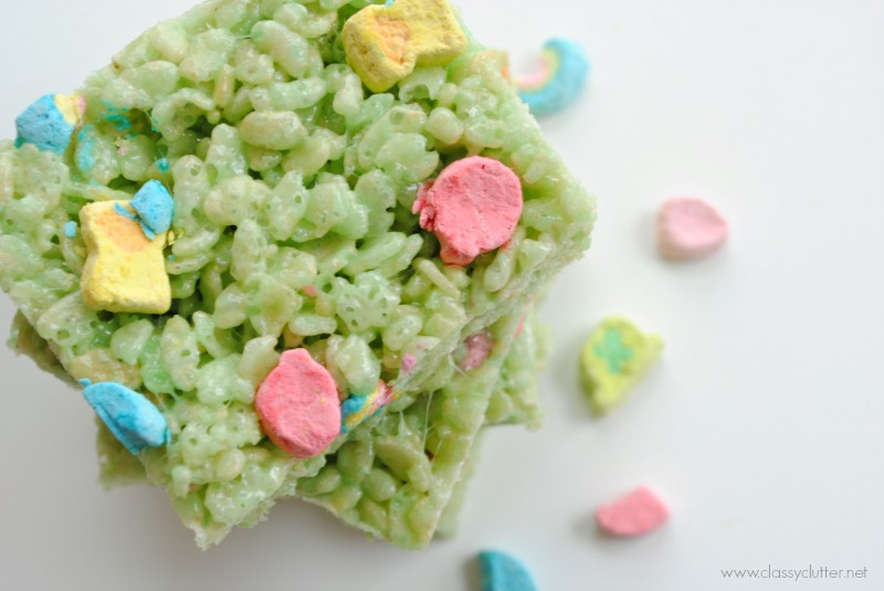 Classy Clutter St. Patrick's Day lucky charm Rice Krispie treats