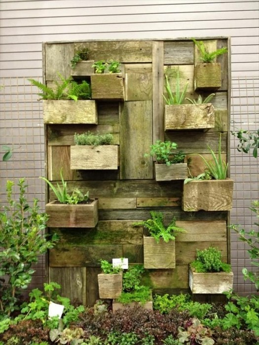 Our Favorite Pins Of The Week: Vertical Gardens - Porch Advice