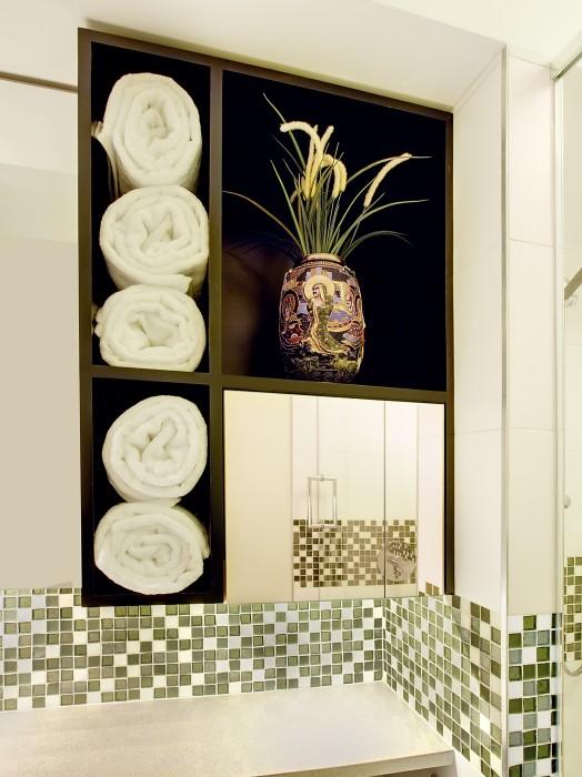 Lindsey Runyon Design Medicine Cabinets