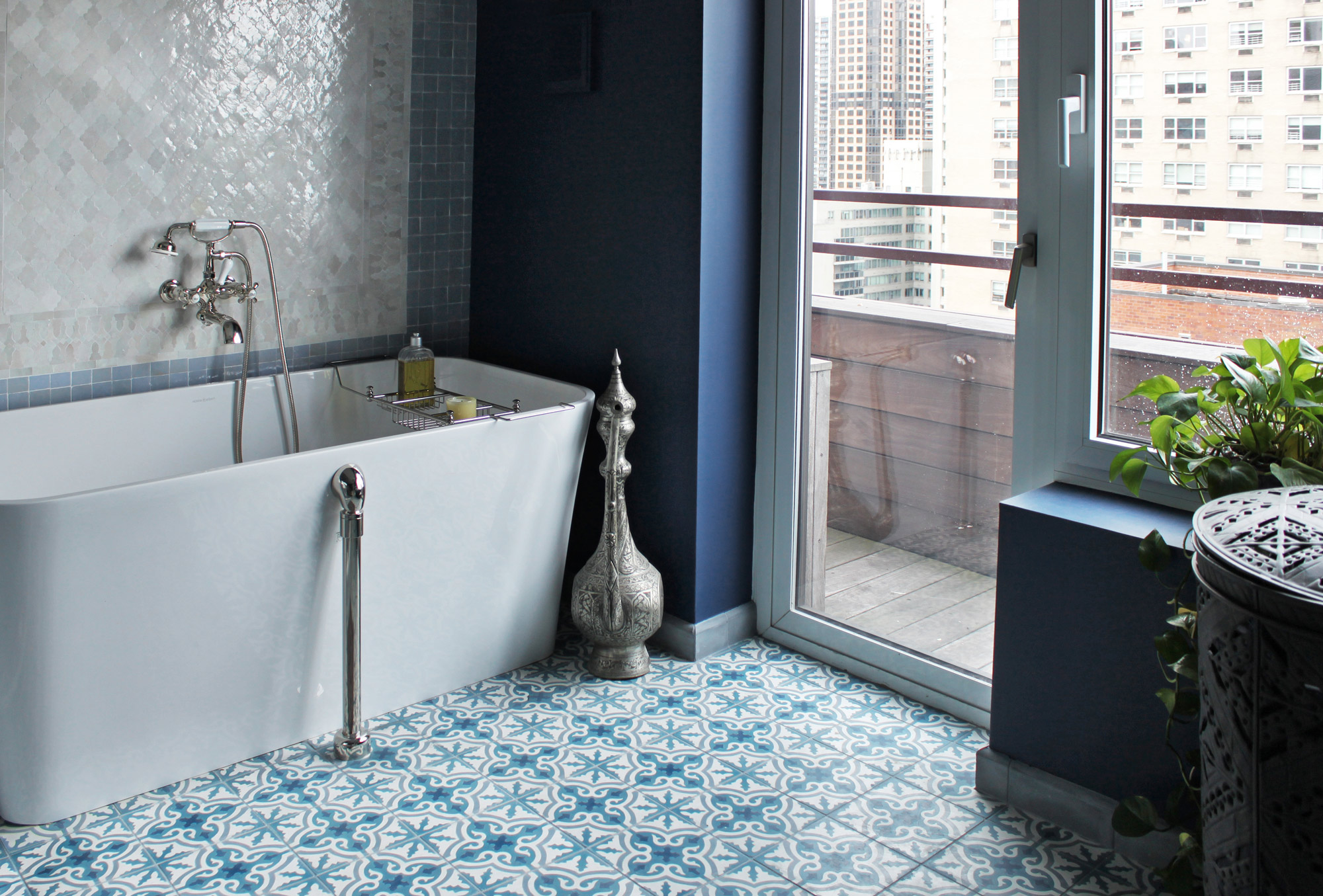 10 gorgeous ways to do patterned tile in the bathroom for Bathroom ideas yellow tile