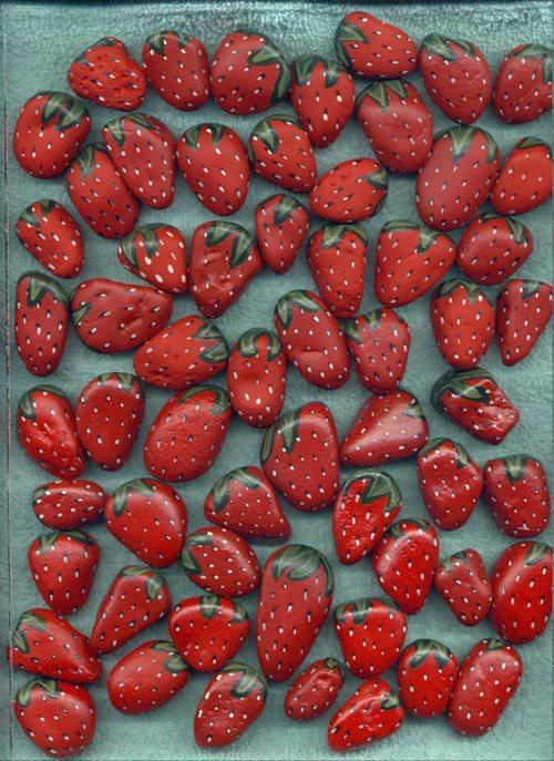 Recyclart - strawberry stones