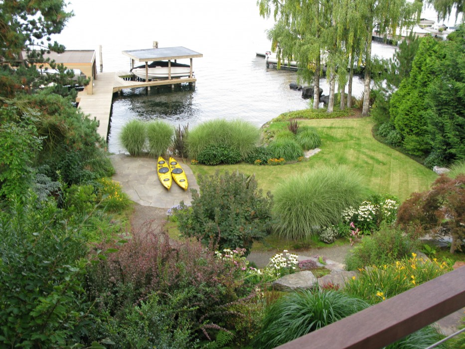 Project of the week a new northwest contemporary garden for Lakefront landscaping photos