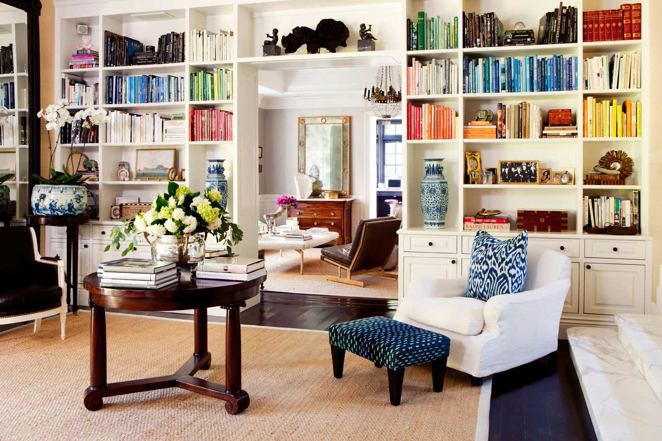 9 Pro Tips For Styling A Beautiful Bookcase