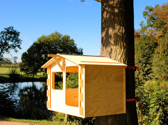 Backyard Treehouse Builders : Build Your Kids Dream Backyard With These 5 DIY Treehouses  Porch