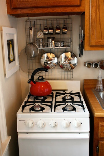 Our favorite pins of the week small kitchen hacks porch for Studio apartment storage ideas
