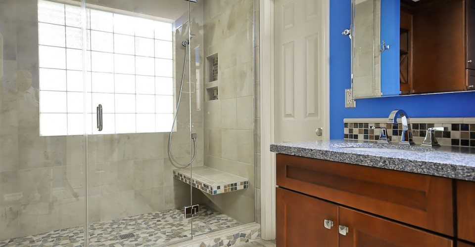 Before And After: A Bright Master Bath Renovation