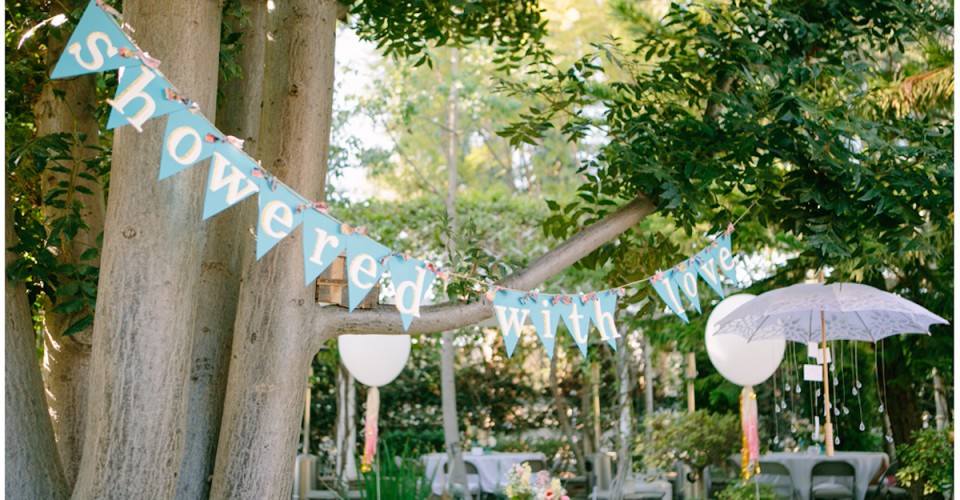 how to host a beautiful backyard brunch bridal shower