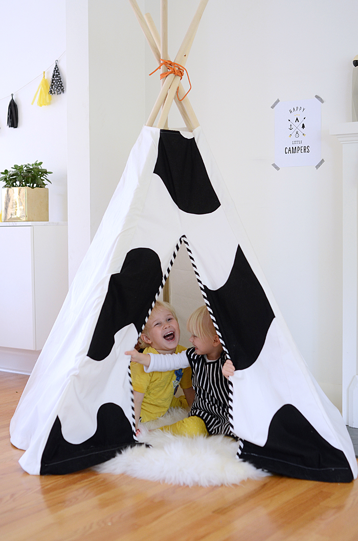 Nalle's House - Porch - teepee