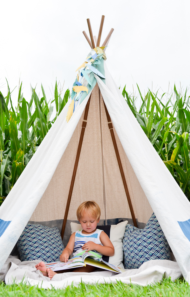 1. No-Sew Feather Teepee u2013 Project Nursery ...  sc 1 st  Porch : make a play tent - memphite.com