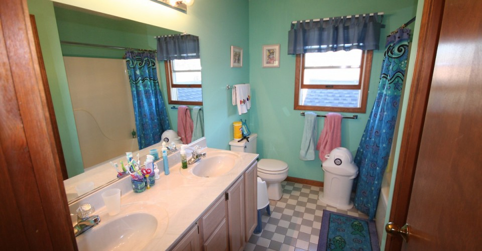 Before And After A Classy Kid S Bathroom Remodel Porch Advice
