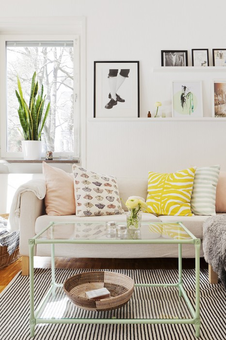 My Scandinavian Home pastel living room decor