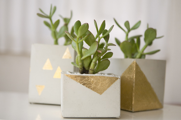 Ruffled Blog DIY gold leaf planters