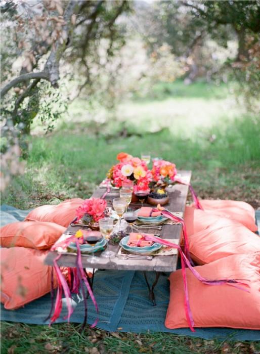 Style Me Pretty backyard table
