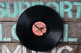 DIY Huntress vinyl record clock