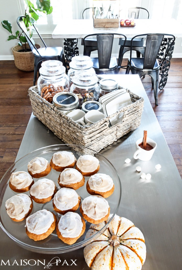 maison de pax autumn snack bar fall diy