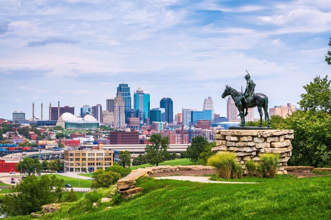 Downtown skyline. Kansas City, Missouri, USA