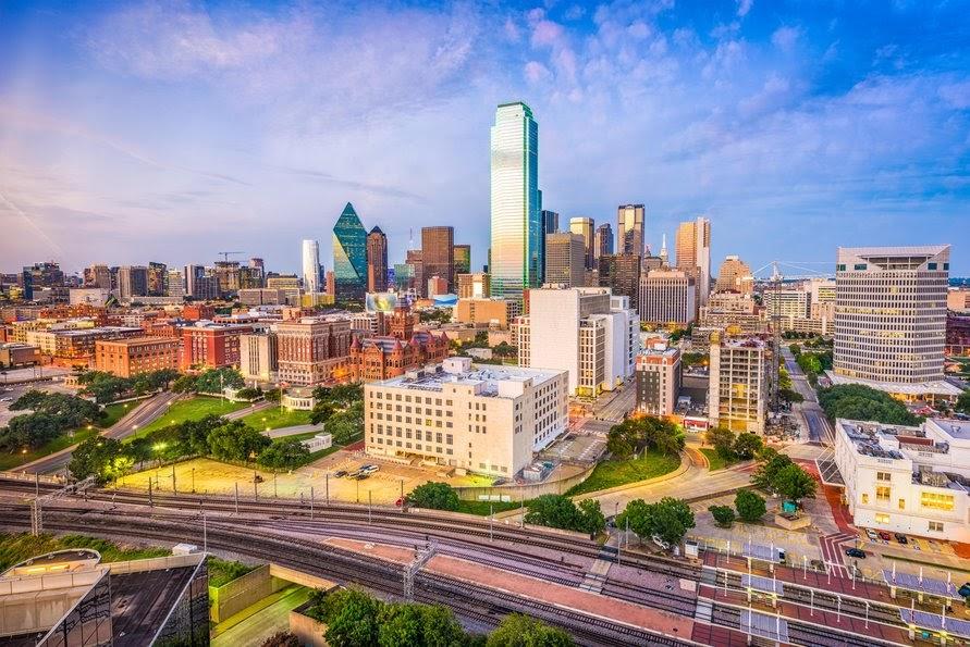 Downtown skyline at dusk. Dallas, Texas, USA