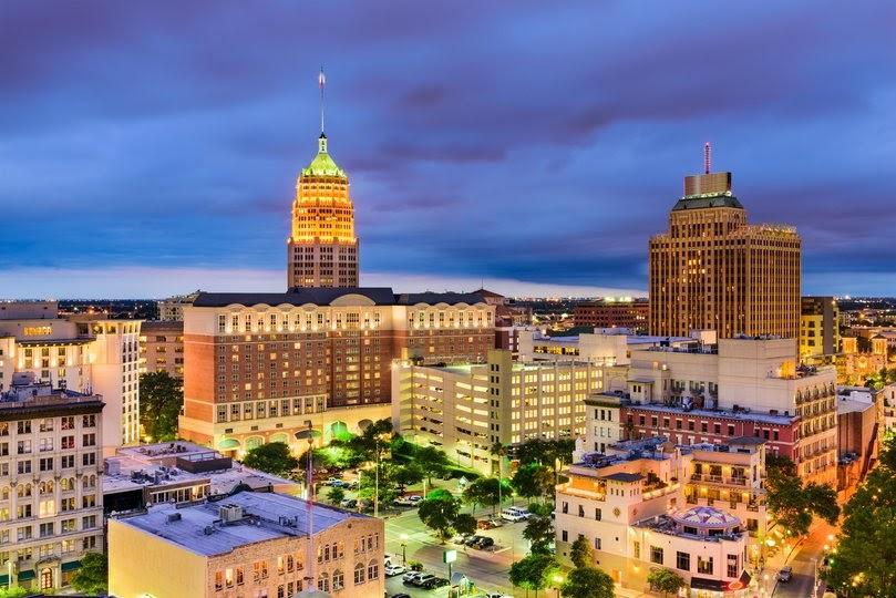 Downtown city skyline. San Antonio, Texas, USA